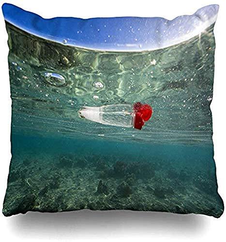 LisaArticles Kussenslopen, Azië weggegooid prullenbak plastic fles drijvende oceaan over de natuur Bunaken Coral Ecosystem lege vuilnis decoratieve kussenslopen