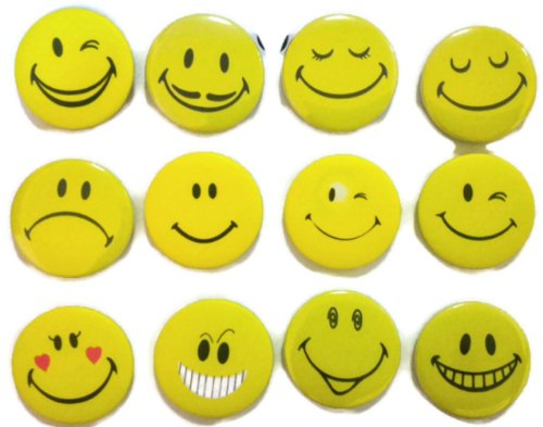Insignia de botón con diseño de emoticono con cara sonriente #6 de calidad impresionante lote de 12 nuevos pines de 3,2 cm