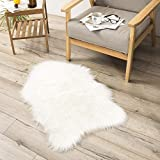 Teppich Wölkchen Lammfell-Teppich Kunstfell Schaffell Imitat | Schlafzimmer Wohnzimmer Kinderzimmer | Als Matte für Stuhl Sofa oder Faux Bett-Vorleger (Weiss - 55 x 80 cm) - 9