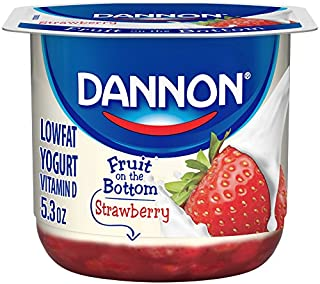 Dannon Fruit on The Bottom Strawberry Single Serve Lowfat Yogurt with Sweet Fruit Puree, Individual Yogurt Cups, Great for Snacks and Lunchboxes,5.3 Oz