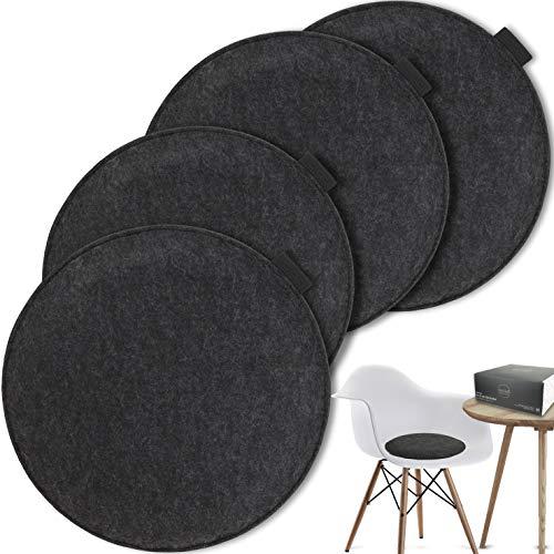 MAHEWA® Sitzkissen rund aus Filz Ø 35cm - 4er Set Waschbare Stuhlkissen passend für Retro Eames Stühle - Stuhl Sitzpolster Sitzauflage (Anthrazit - schwarzes Emblem, 4er Set rund)