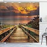 Aliyz Unter ruhigen idyllischen Kulisse bei Sonnenuntergang