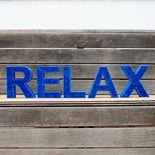 Palabra RELAX formada por letras pintadas en color azul en varios tonos y acabado envejecido. Ideal para bodas, decoración...