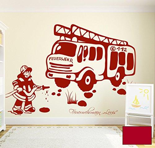 ilka parey wandtattoo-welt® Wandtattoo Wandaufkleber Feuerwehrmann mit Feuerwehrauto und Wunschnamen M1205 - ausgewählte Farbe: *Kirschrot* - ausgewählte Größe: *L - 100cm breit x 77cm hoch*