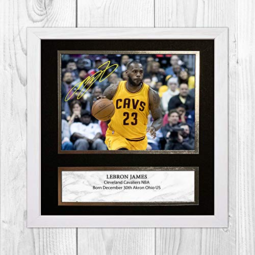 Good With Wood Yorkshire LeBron James NBA Los Angeles Lakers Póster de la firma de reproducción de la NBA de Los Angeles Lakers (marco blanco)