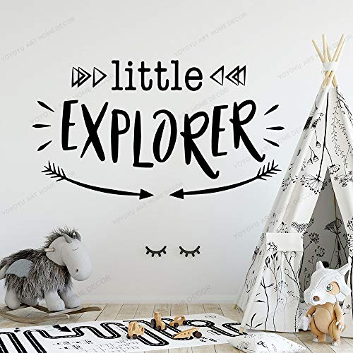 XCSJX Little Explorer Arrow Pegatinas de Pared Cita Vinilo Decorado Sala de Estar decoración de la habitación de los niños calcomanía Mural Papel Pintado 28x50cm
