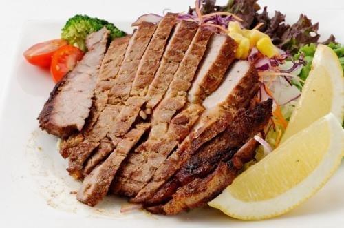 やんばる島豚あぐー ≪黒豚≫ みそ漬 (ロース) 200g×1P フレッシュミートがなは ジューシーでやわらかい沖縄県産豚肉を使用した熟成味噌漬け