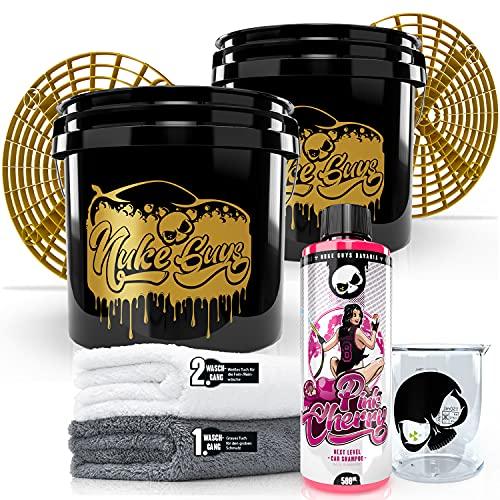 Nuke Guys 2 Eimer Waschmethode Autopflege Set: Pink Cherry Autoshampoo, 500ml + 2x GritGuard Wascheimer, Used Look Edition 3,5 GAL + 2x Grit Guard Schmutzeinsatz + 2x Mikrofaser Waschtuch + Messbecher