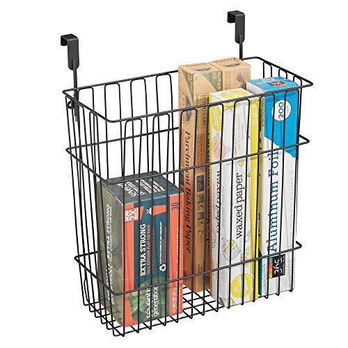 mDesign panier de rangement pour accessoires de cuisine et salle de bain – peut être utilisé comme poubelle d'appoint – panier à suspendre aux portes de placards facile à monter – noir mat
