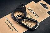 Orbiloc Karabiner Premium Aluminium Quick Action D-Ring Clip Haken mit doppelter Hundenlicht-Halterung für Outdoor Walking, Wandern und Camping, Schwarz