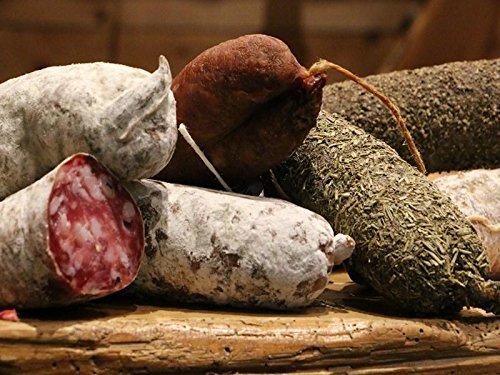9 SAVOY-WURSTE Salami: Schweinefleisch, geräuchert, Haselnuss, Beaufort, Pfeffer, Wildschwein, Steinpilze, Ziegenkäse und Nüsse.