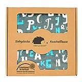 Antiallergische Babydecke - Premium Kuschelbabydecke zum Spielen und Ertasten (70x100 cm, Türkis - Buchstaben)
