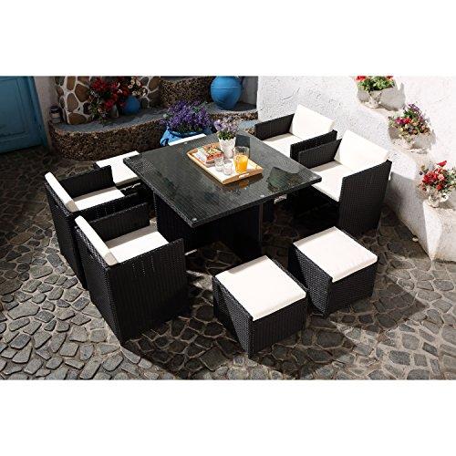CONCEPT USINE - Salon De Jardin Miami 8 Personnes en Résine Tressée Noir Poly Rotin - 1 Table en Verre - 4 Fauteuils - 4 Poufs - Coussins Blanc - Encastrable, Résistant, Imperméable