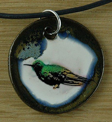 Echtes Kunsthandwerk: Hübscher Keramik Anhänger mit einem Kolibri; Vogel, Vögel, leicht, Regenwald