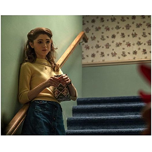 Stranger Things (TV Series 2016 - ) 8 inch x10 inch Photo Natalia Dyer Standing on Blue Staircase kn