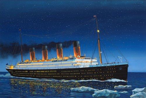 Revell Revell_05210 Modellbausatz Schiff 1:700 - R.M.S. Titanic im Maßstab 1:700, Level 4, originalgetreue Nachbildung mit vielen Details, Kreuzfahrtschiff, 05210