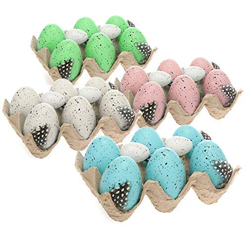 com-four® 24x Ostereier als Osterdekoration im Eierkarton - Deko-Ostereier mit natürlich wirkender Musterung und Federn - künstliche Vogeleier in Vier Pastellfarben (Set03 - weiß/blau/rosa/grün)