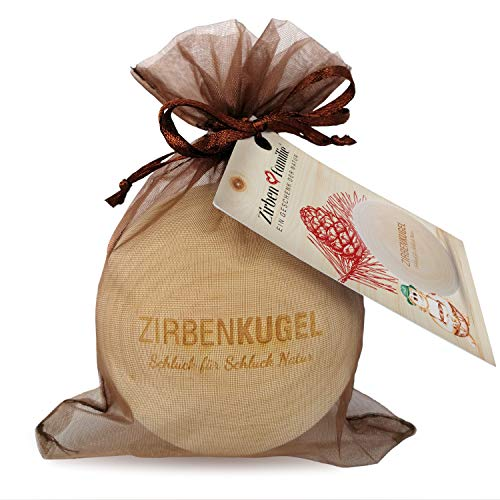 ZirbenFamilie - bekannt aus dem Fachhandel & der Hotellerie • ZirbenKugel • Duftende ZirbenKugel mit dekorativem Ablageteller • Holzkugel aus ZirbenHolz