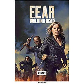 Kim Dickens 8 inch x 10 inch Photograph Fear the Walking Dead  TV Series 2015 -  Holding Knife w/Lennie James in Background w/Staff Title Pose 1 kn