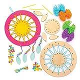 Baker Ross AW601 Kits de Atrapasueños de Madera Redondos, Incluye Plantilla, Lana, Cuentas, Plumas, Cinta y Aguja, Pack de 4