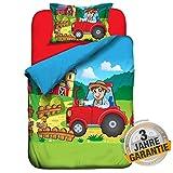 Aminata Kids süße Kinder-Bettwäsche Bauernhof 100 x 135 cm + 40 x 60 cm aus Baumwolle mit Reißverschluss, unsere Wende-Kinder-Bettwäsche-Set Bauer mit Traktor-Motiv ist weich und kuschelig, rot, blau & bunt