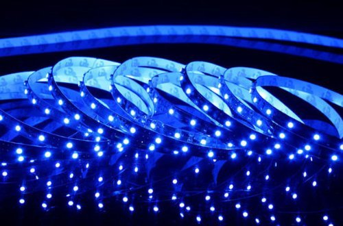 Triangle Bulbs T93003 LED Strip Light, Waterproof, Flexible, 300 LED's, 3528 SMD, Blue, 16.4 feet / 5M