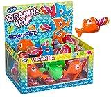 WOM Piranha, Chupetes de Caramelo con Forma de Piraña, Chupete de Caramelo Multicolor con Sabor de Fresa, Display en Forma de Acuario con 24 unidades de Piruletas de Fresa