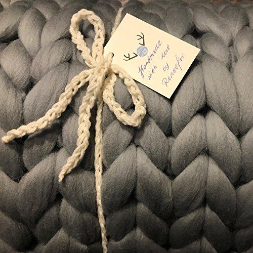 Reneefer Handmade | Graue Decke aus 100% Schafswolle XXL 120 x 180 cm Kuscheldecke Wohndecke Dekoration Wolldecke Skandinavisch Tagesdecke