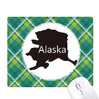 米国のマップアラスカ星とストライプの旗 緑の格子のピクセルゴムのマウスパッド