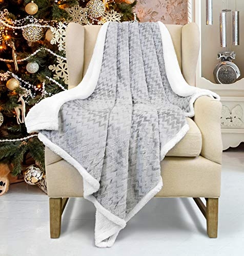 Plush Flannel Sherpa Throw Blanket Chevron 50' x 60' Super Soft Micro Fleece Reversible TV Blanket for Couch Bed, Gray