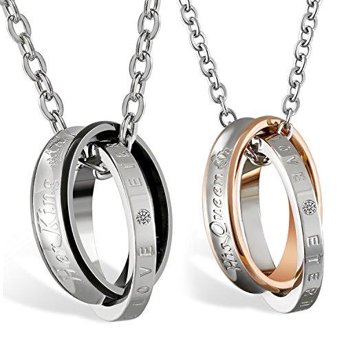 JewelryWe 1 Par Collares de Parejas Enamorados His Queen Her King, Colgante de Anillos Plateados para Hombre Mujer Acero Inoxidable, Regalo de San Valentín/Navidad