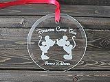 Adorno personalizado de Mickey y Minnie Mouse, adorno de boda, adorno de compromiso, primera Navidad, cristal redondo, atrapasueños de sol.