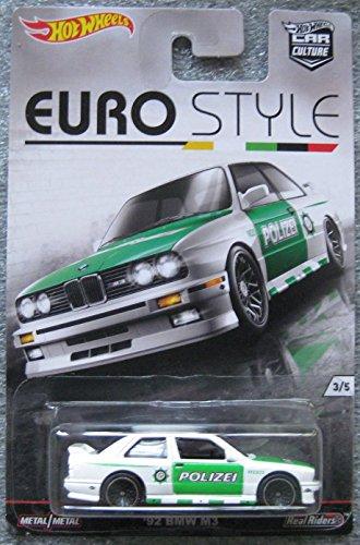 Hot Wheels 2016 Car Culture series EURO STYLE '92 BMW M3 Polizei white 3/5