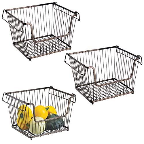 mDesign Juego de 3 cestas organizadoras multiuso tamaño grande – Cestas metálicas de alambre, abiertas y con asas para un cómodo transporte – Organizadores de cocina y despensa – Apilables – bronce