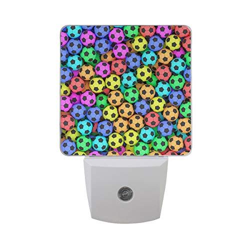AOTISO Kleurrijk voetbalpatroon 3D American Football Sport Design Auto Sensor Nachtlampje Plug in Indoor