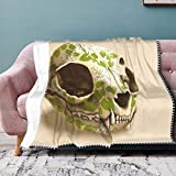 Cocoal-ltd Manta de franela con flecos de pompón, ligera y cálida, para cama, sofá, silla, oficina, 127 x 153 cm, diseño de calavera de gato decorada con flores Wasabi
