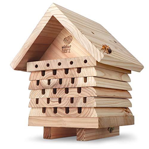 wildtier herz | Bienenhotel, schwere Ausfürhung aus verschraubtem Massiv-Holz, Nisthilfe für Wildbienen, wetterfest & unbehandelt, Bienenhaus Insektenhotel