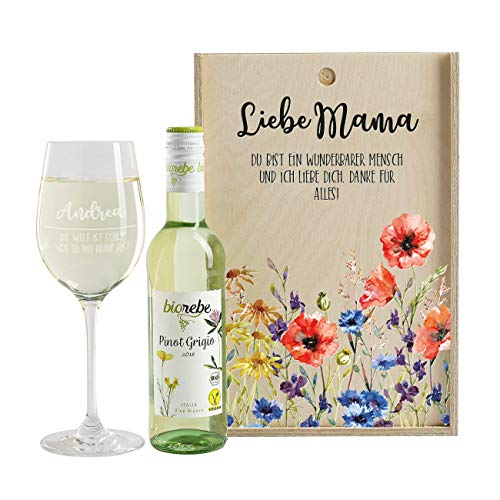 Herz & Heim® Wein-Geschenk zum Muttertag - Liebe Mama - Wein mit graviertem Leonardo Weinglas und Wein zur Auswahl in Weinkiste Pinot Grigio