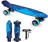 SGODDE Skateboard Komplette 56cm/22 Mini Cruiser Board Retro Komplettboard für Anfänger Kinder Jugendliche Erwachsene,56x15cm Komplett Board mit ABEC-7 Kugellager ,LED PU Leuchtrollen,T-Tool (Blau)