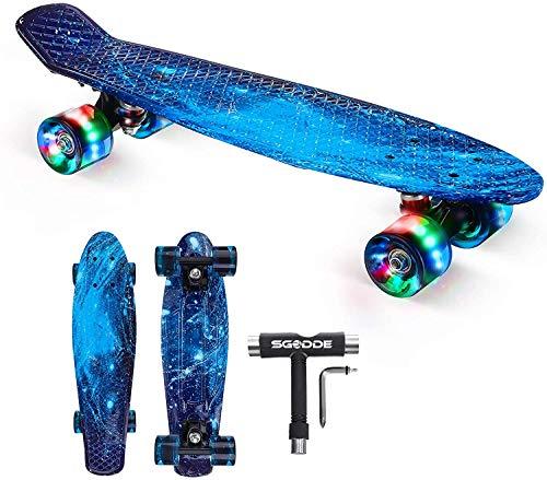 SGODDE Skateboard Komplette 56cm/22 Mini Cruiser Board Retro Komplettboard für Anfänger Kinder Jugendliche Erwachsene,56x15cm Komplett Board mit ABEC-7 Kugellager,LED PU Leuchtrollen,T-Tool (Blau)