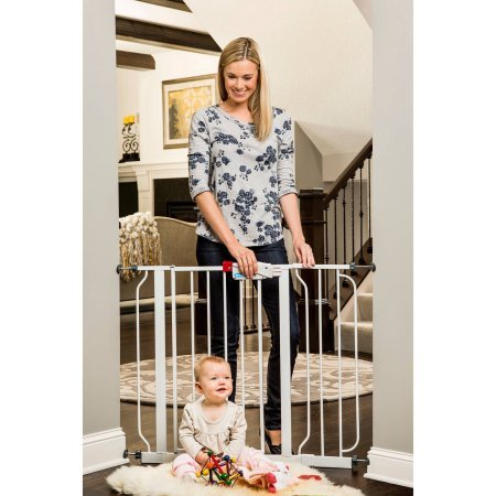Regalo Easy Step Walk-Through Baby Gate Product Image