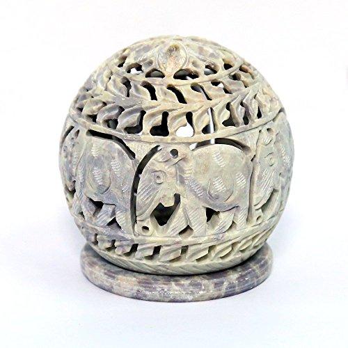 Stylla London Teelichthalter Skulptur mit Elefant Figuren und Ranken geschnitzt auf der Seite und eine Rosette auf der Oberseite, Holz, Natur, 4,8x 4,6x 4,5cm