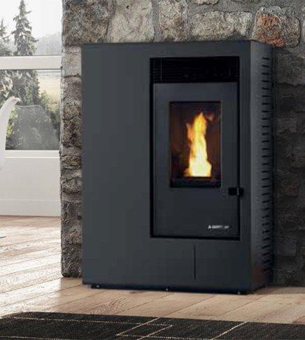 Karmek One Ibiza 10,1 kW pelletkachel met ventilator, staal, zwart
