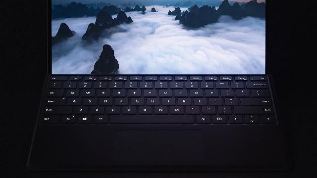 "Microsoft Surface Pro X – 13"" Touch-Screen –SQ1 - 16GB Memory - 512GB Solid State Drive – WIFI + 4G LTE – Matte Black (MJU-00001)"