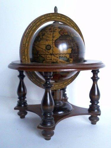 Tisch-Globus aus Holz