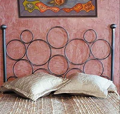 Cabecero de forja nacional Hecho a mano Pieza artesanal Pintura al horno que garantiza calidad y durabilidad Disponible para camas de 90, 105, 135 y 150. Fácil montaje (se cuelga en la pared igual que un cuadro).