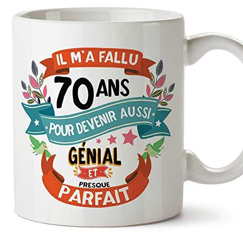 Mugffins Mug/Tasse Joyeux 70 Anniversaire - Il m'a Fallu 70 Ans pour Devenir Aussi Génial et Presque Parfait - Cadeau Original pour Homme et Femme