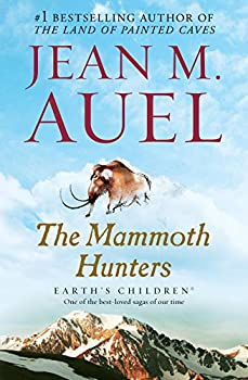 Paperback The Mammoth Hunters: Earth's Children, Book Three Book