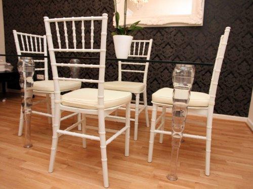 Casa Padrino Designer Acryl Esszimmer Set Weiß/Creme - Ghost Chair Table - Polycarbonat Möbel - 1 Tisch + 4 Stühle Designer Möbel