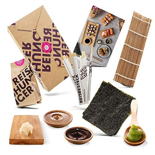 Reishunger Sushi Box incl. scheda di ricette - Set completo con ingredienti originali giapponesi come riso sushi, stuoia di bambù, salsa di soia, alga nori, wasabi, zenzero, bacchette